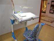 儿童桌椅蓝色