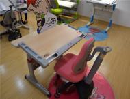 儿童桌椅粉色