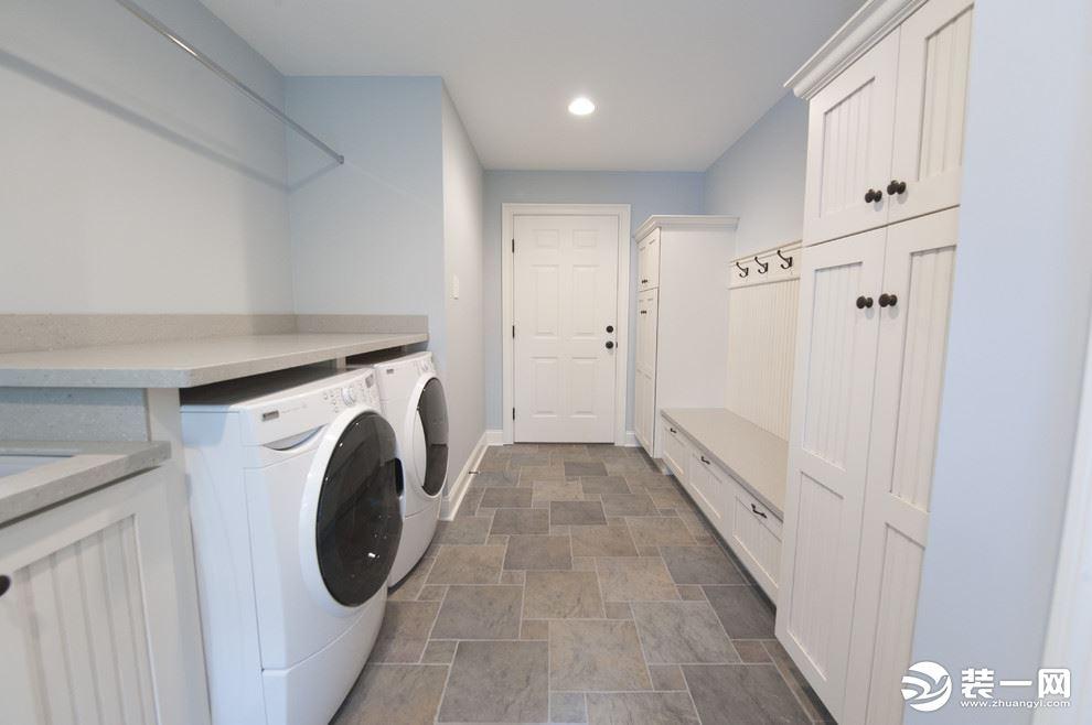 别墅家庭洗衣房图片